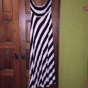 Monroe & Main Maxi Dress